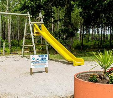 location camping jeux aire de jeu landes