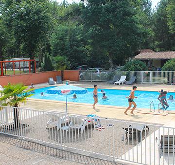 vacances dans les landes avec piscine